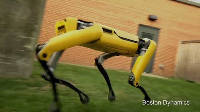 Video: This Robot looks like it came out from a movie