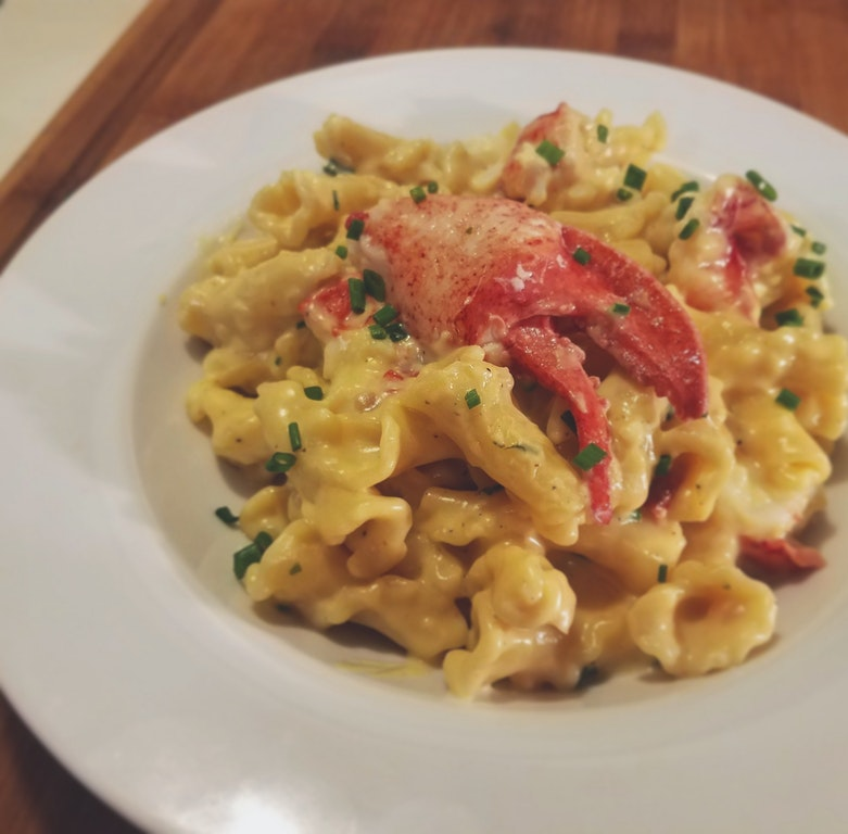 Homemade Lobster Mac and Cheese - HighbrowUsername - http://bit.ly/2FFPY16