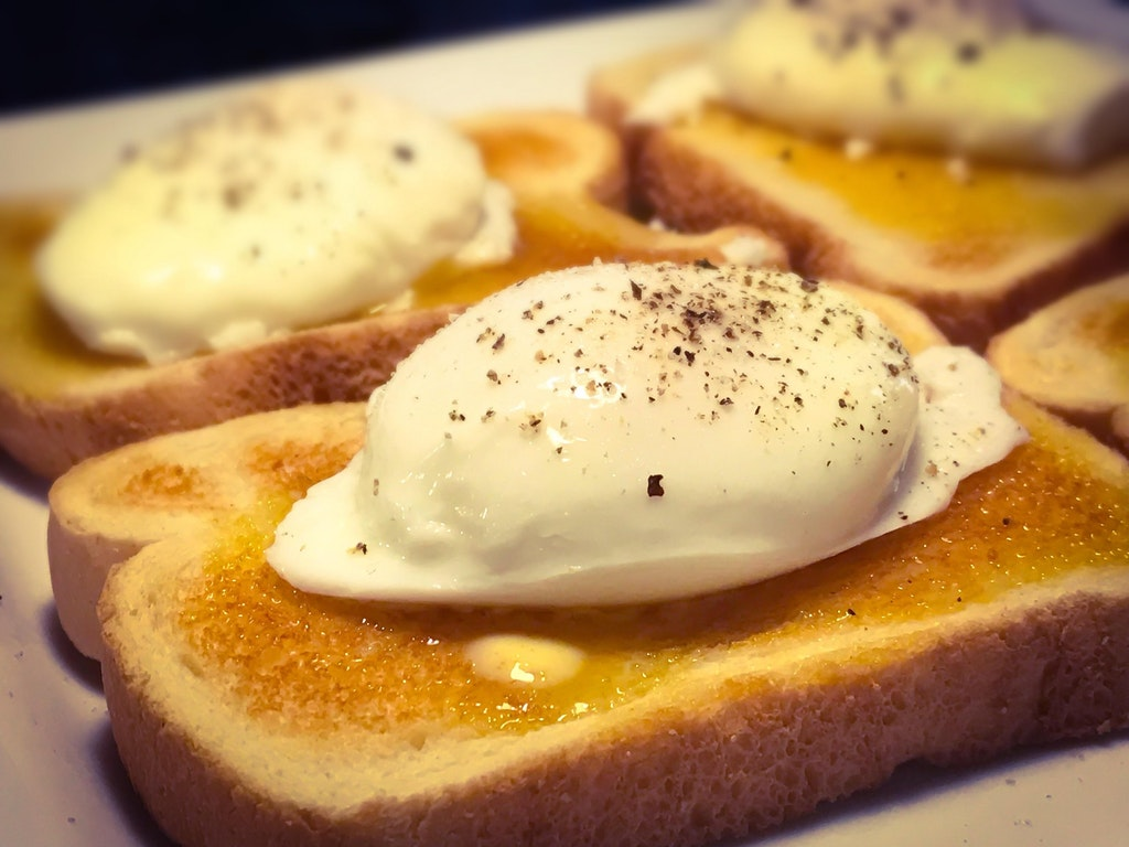 Perfectly Poached Eggs On Buttered Italian Toast - EvasiveJoker425 - bit.ly2DKKnsR