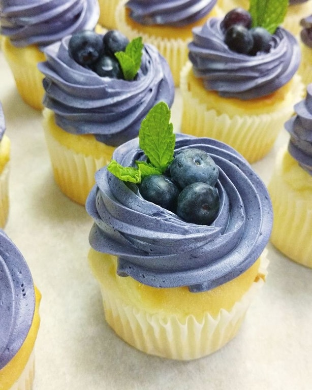 Lemon Cupcakes with Blueberry Buttercream - anorexicpigg - bit.ly2Gqklfj