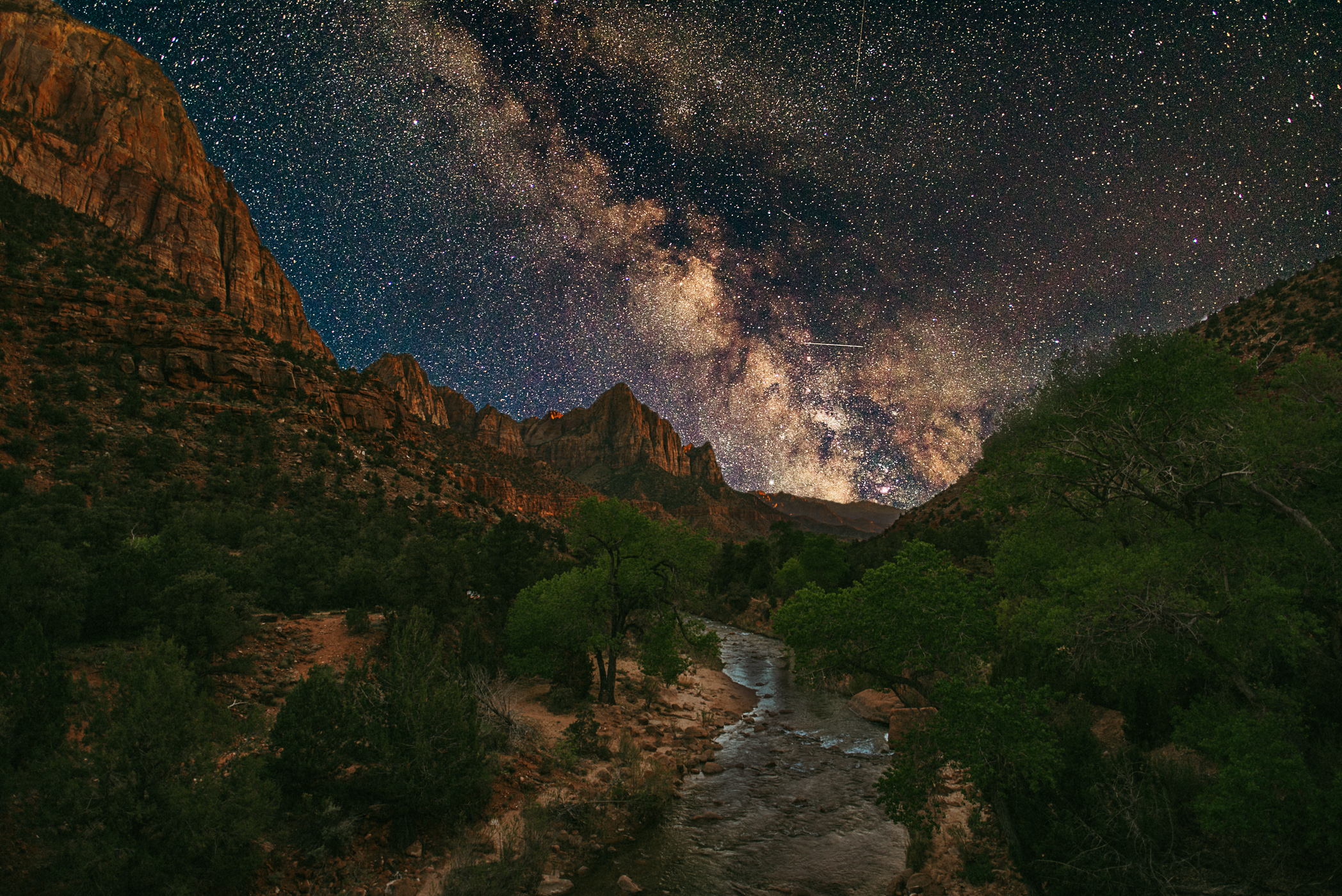 The Milky Way over Zion National - defeldus - bit.ly2rrlycx