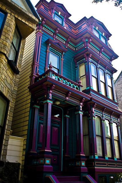 A Colorful Victorian House - d4hm3r - bit.ly2M06fki