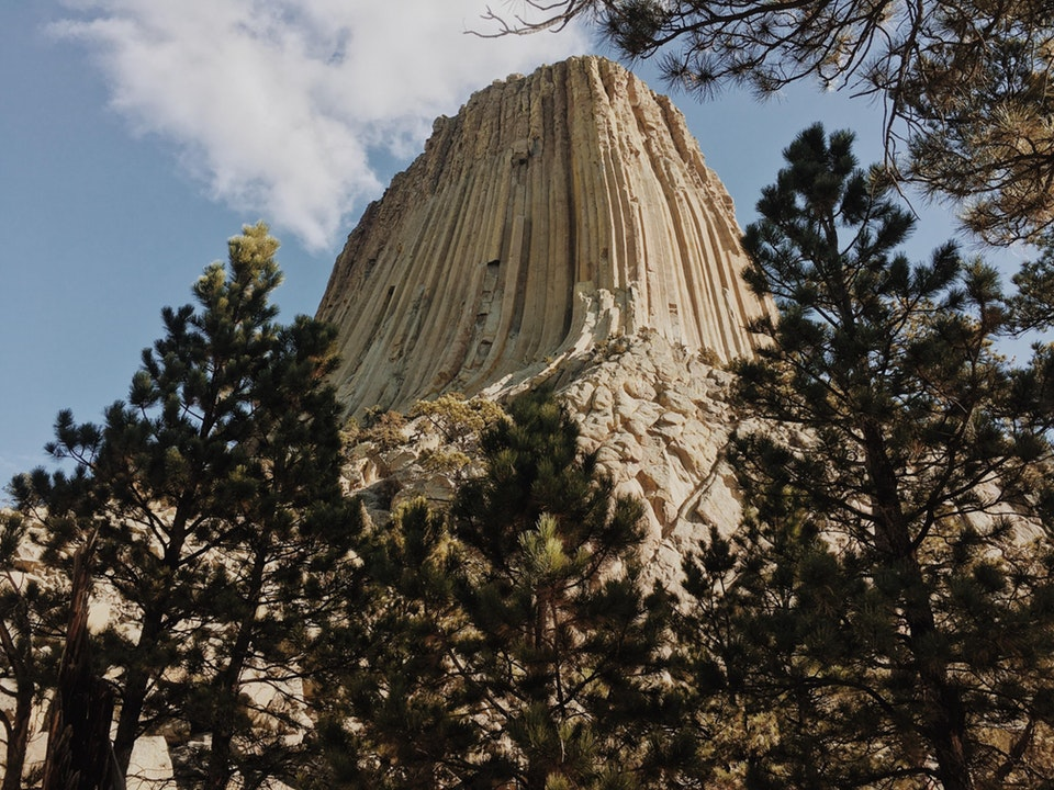 Devils Tower, not many people know how truly massive this thing is - jaQueklaus - bit.ly2IMhPgx