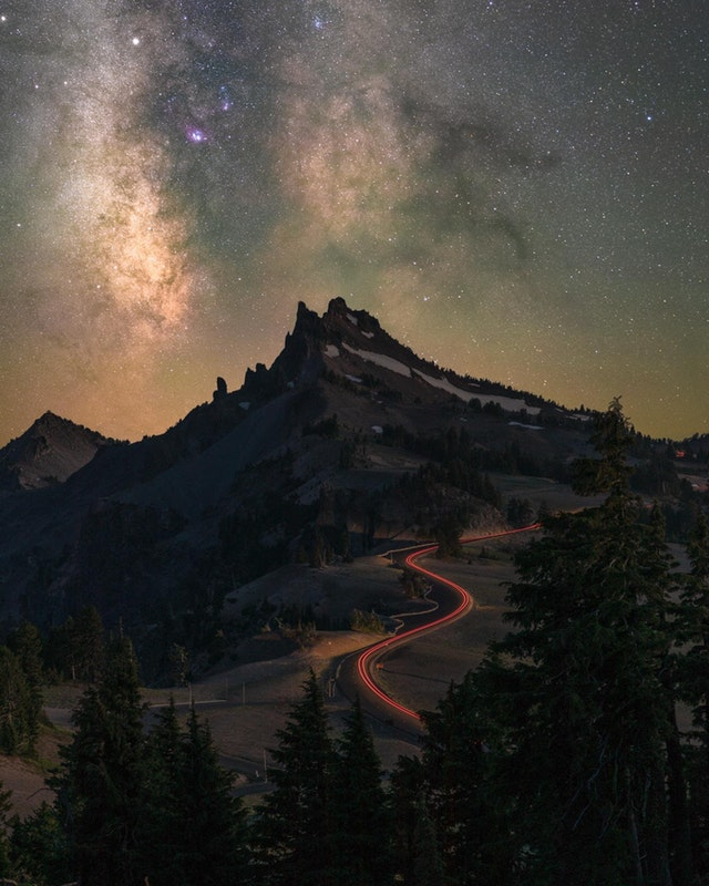 I waited 6 hours for the Milky Way to make an appearance at Crater Lake - stevenjmagner - bit.ly2M3qYXG