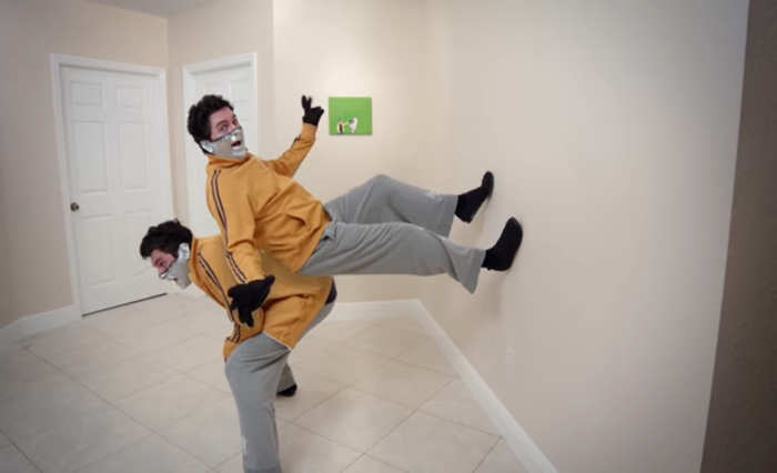 Video: This guy debunks on wall walking