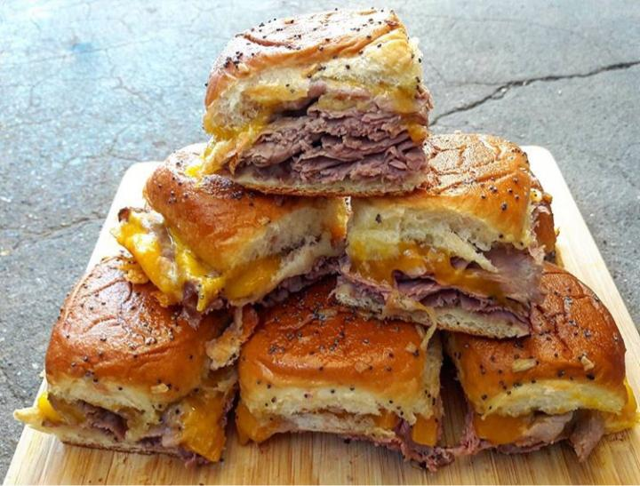 Roast beef and cheddar sliders