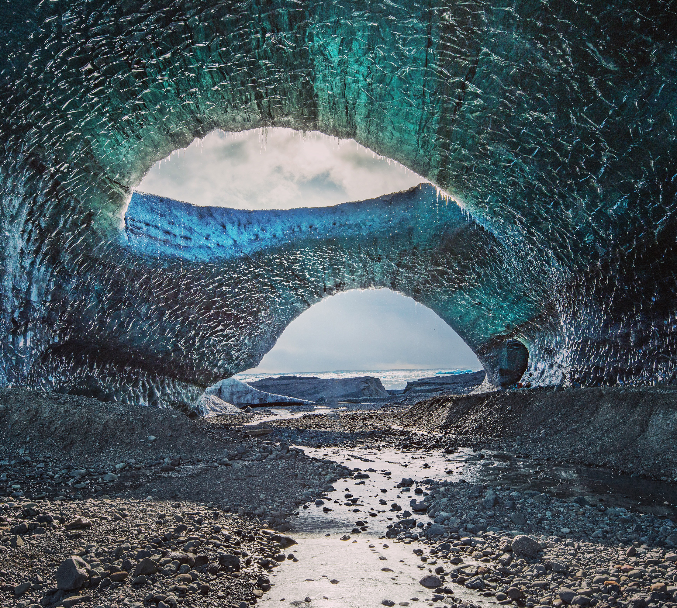 Giant ice cave in Iceland